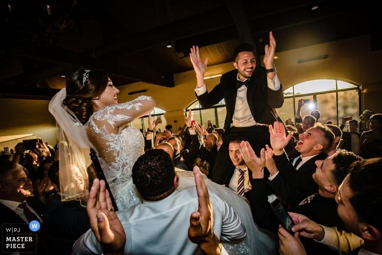 wedding-photographer-2451781 (1)